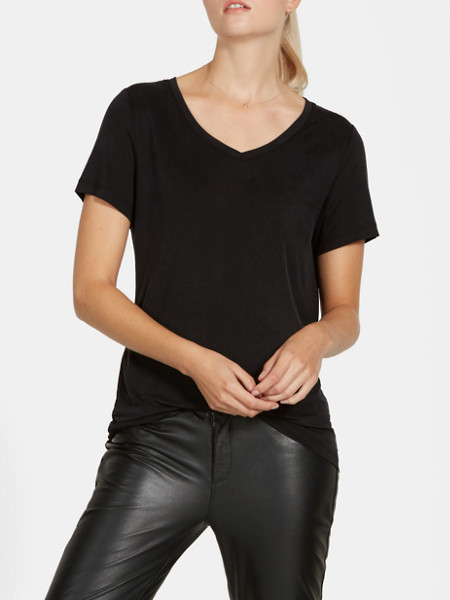 cupro-t-shirt--298101-black_mdfront3-cos